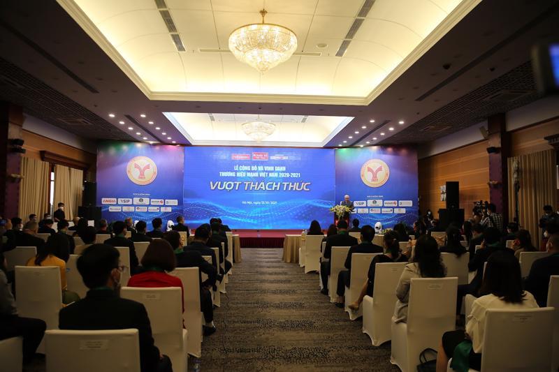 Toàn cảnh lễ trao giải Thương hiệu Mạnh Việt Nam 2020-2021 do Tạp chí Kinh tế Việt Nam và Liên hiệp các Hội Khoa học Kỹ thuật Việt Nam (Vusta) tổ chức - Ảnh: Giang Nam.