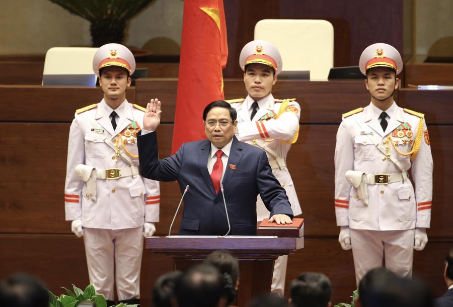 Chùm ảnh tân Thủ tướng Phạm Minh Chính tuyên thệ nhậm chức - Ảnh 2.