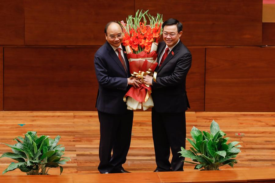 Chùm ảnh tân Chủ tịch nước Nguyễn Xuân Phúc tuyên thệ nhậm chức - Ảnh 4.