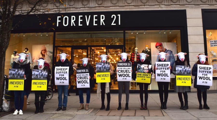 Câu chuyện đạo đức trong kinh doanh thời trang - Ảnh 2.