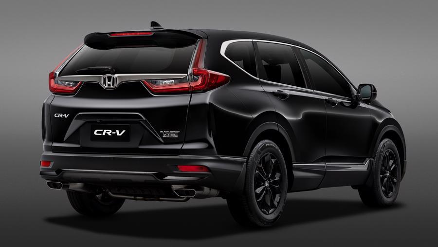Phía sau đuôi xe gắn logo Black Edition trên nền sơn đen.