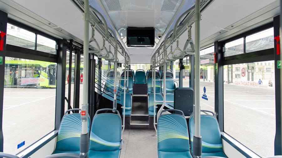 Bên trong khoang hành khách của xe buýt điện VinBus.