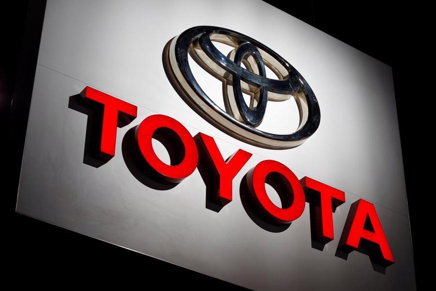 12 thương hiệu ôtô đắt giá nhất thế giới - Ảnh 1.