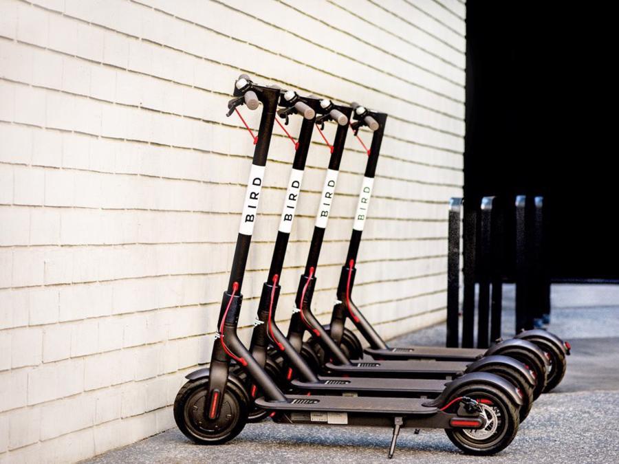 Cựu nhân viên Uber lập startup chia sẻ scooter điện trị giá tỷ USD - Ảnh 1.