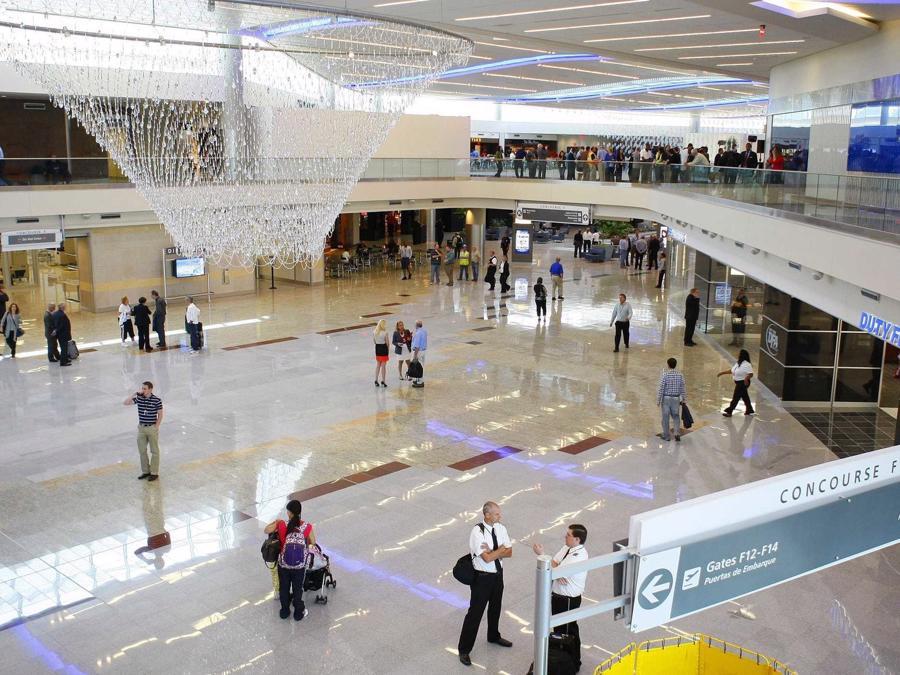 20 sân bay bận rộn nhất thế giới - Ảnh 1.