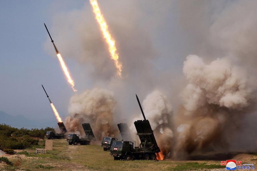 """Ông Trump """"không bận tâm"""" việc Triều Tiên thử tên lửa trở lại - Ảnh 1."""