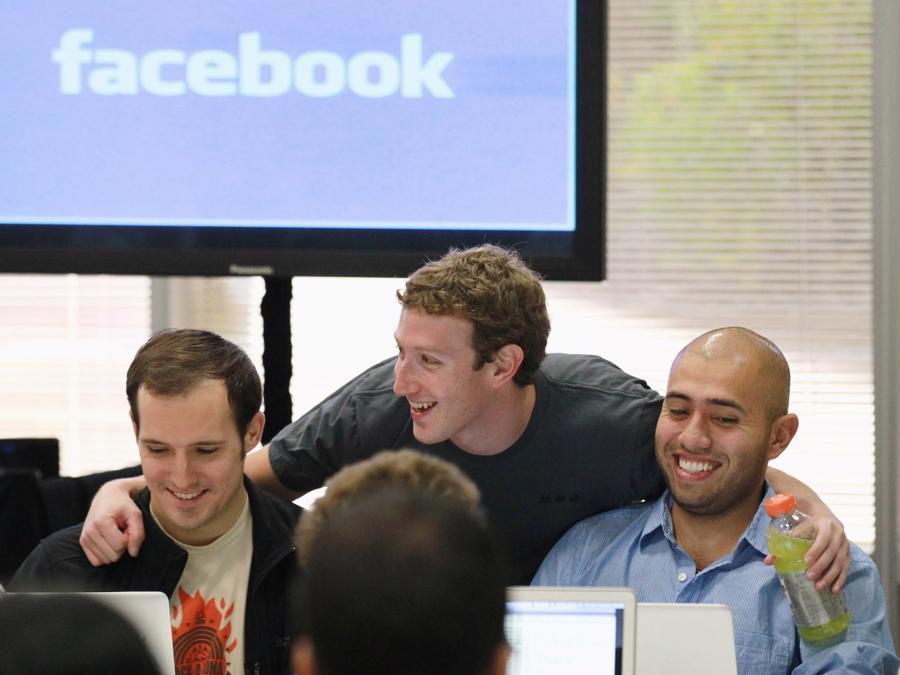 9 điều ít biết về khối tài sản khổng lồ của Mark Zuckerberg - Ảnh 1.