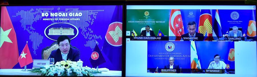 Hội nghị hẹp Bộ trưởng Ngoại giao ASEAN: Việt Nam đưa ra loạt sáng kiến và đề xuất - Ảnh 1.