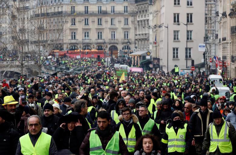 """Biểu tình """"áo vàng"""" lại gây hỗn loạn ở Paris - Ảnh 2."""