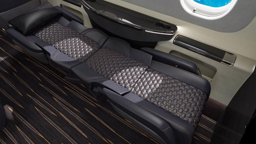 Máy bay cá nhân với nội thất lấy cảm hứng từ bãi biển Brazil - Ảnh 10.
