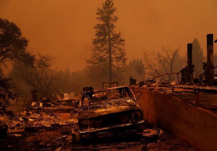 Cận cảnh vụ cháy rừng lịch sử khiến ít nhất 31 người thiệt mạng ở California - Ảnh 11.
