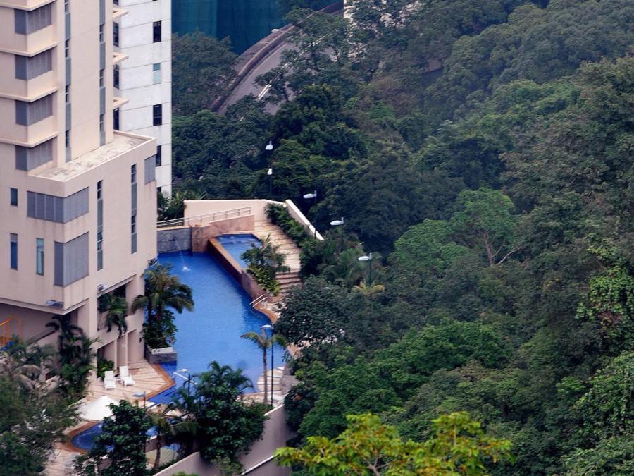 Cuộc sống thượng lưu của giới siêu giàu tại Hồng Kông - Ảnh 5.