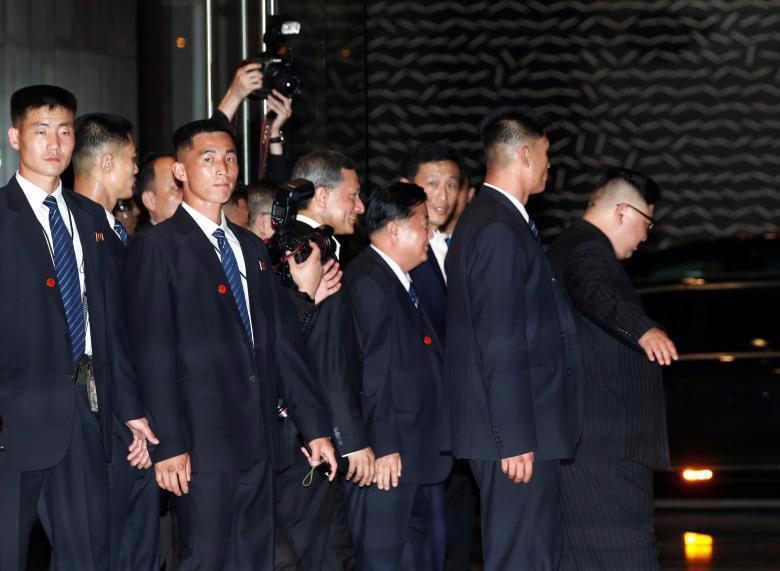 Chùm ảnh ông Kim Jong Un đi dạo đêm ở Singapore - Ảnh 11.