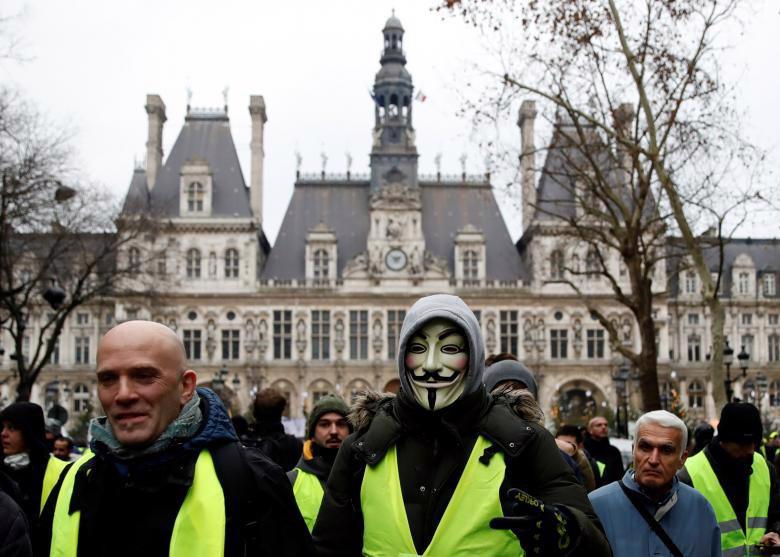 """Biểu tình """"áo vàng"""" lại gây hỗn loạn ở Paris - Ảnh 4."""