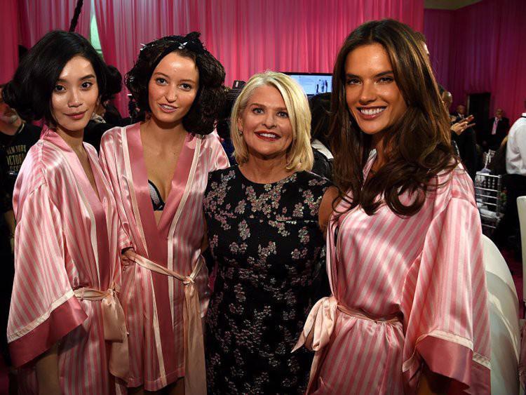 Thương hiệu Victorias Secret đang mất dần ánh hào quang? - Ảnh 11.
