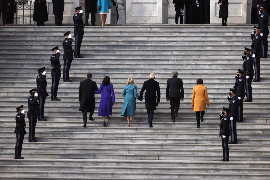Toàn cảnh lễ nhậm chức đặc biệt của tân Tổng thống Mỹ Joe Biden - Ảnh 1