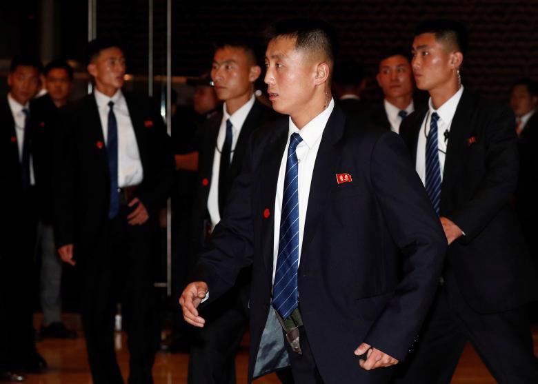 Chùm ảnh ông Kim Jong Un đi dạo đêm ở Singapore - Ảnh 13.