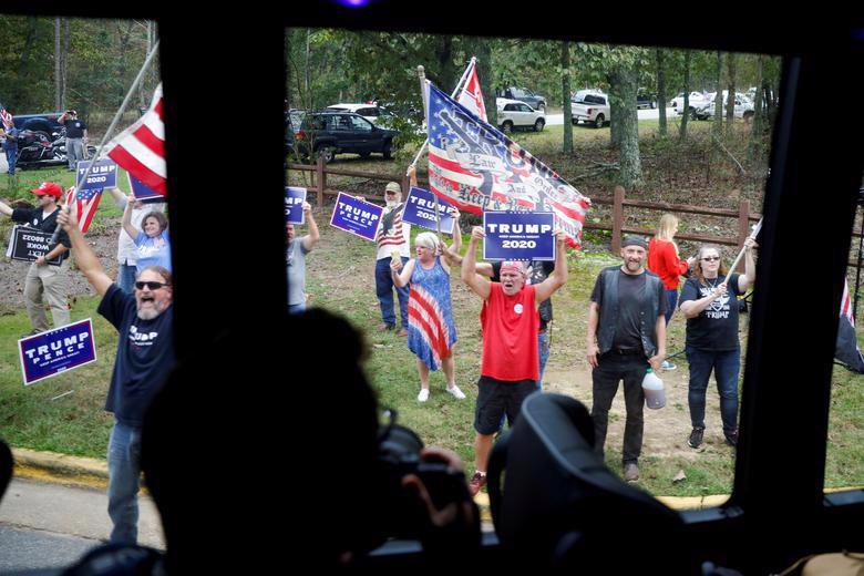 2 ứng viên tổng thống Mỹ bước vào tuần chạy đua nước rút - Ảnh 14.