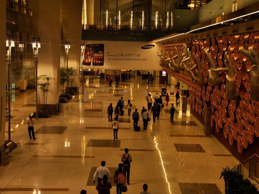 20 sân bay bận rộn nhất thế giới - Ảnh 16.