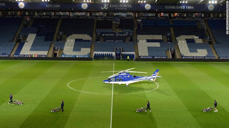 Tỷ phú Thái sở hữu đội bóng Leicester City qua đời trong tai nạn máy bay - Ảnh 1.