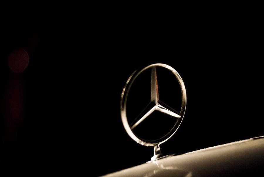 12 thương hiệu ôtô đắt giá nhất thế giới - Ảnh 2.