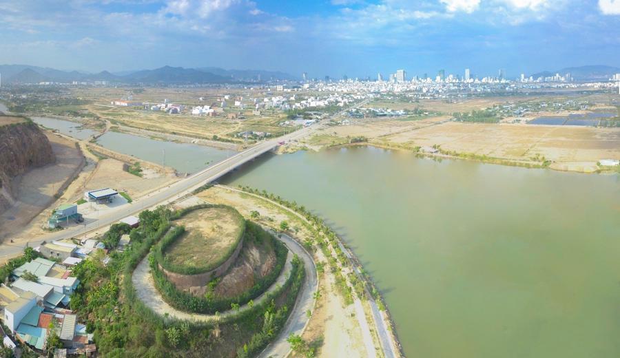 Giới đầu tư Hà Nội âm thầm đổ vốn vào bất động sản Nam Trung Bộ - Ảnh 1.