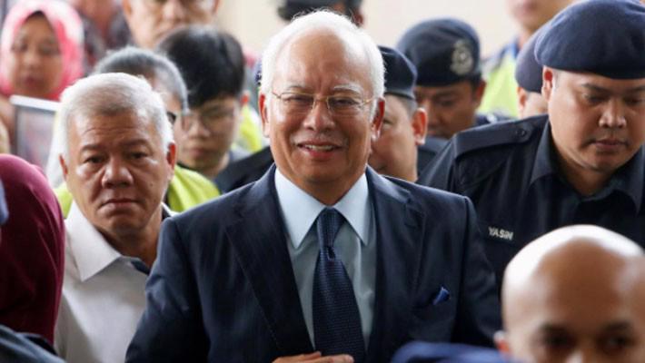Vợ cựu Thủ tướng Najib của Malaysia có thể lĩnh án 15 năm tù giam - Ảnh 1.