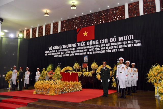 Hình ảnh lễ viếng nguyên Tổng bí thư Đỗ Mười - Ảnh 2.