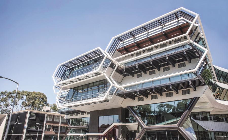 10 trường đại học sản sinh nhiều người siêu giàu nhất châu Á-Thái Bình Dương - Ảnh 2.