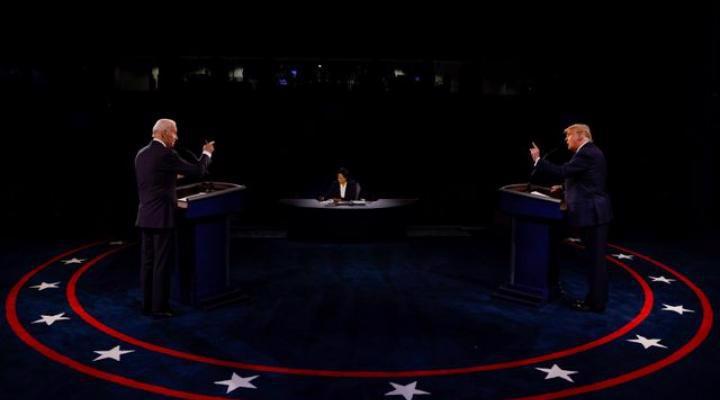 """Cuộc tranh luận cuối cùng của hai ứng viên tổng thống Mỹ: Lịch sự hơn nhưng vẫn """"nảy lửa"""" - Ảnh 1."""