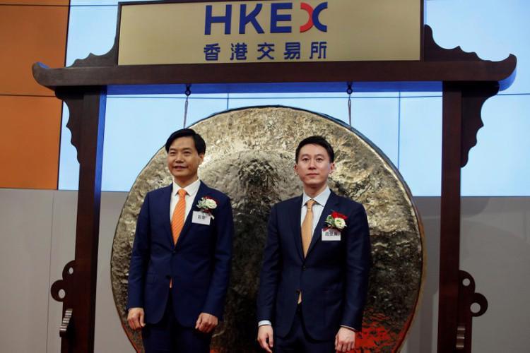 Cổ phiếu Xiaomi gây thất vọng ngày đầu giao dịch - Ảnh 1.