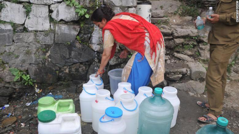 Ấn Độ đối mặt khủng hoảng nước tồi tệ nhất lịch sử - Ảnh 1.
