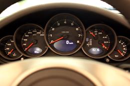 Những điều thú vị về siêu xe Porsche 911 Carrera Cabriolet - Ảnh 6