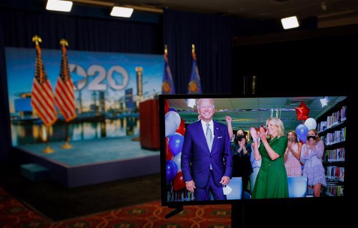 Chùm ảnh đáng nhớ trong cuộc đời và sự nghiệp của ứng viên tổng thống Joe Biden - Ảnh 28.