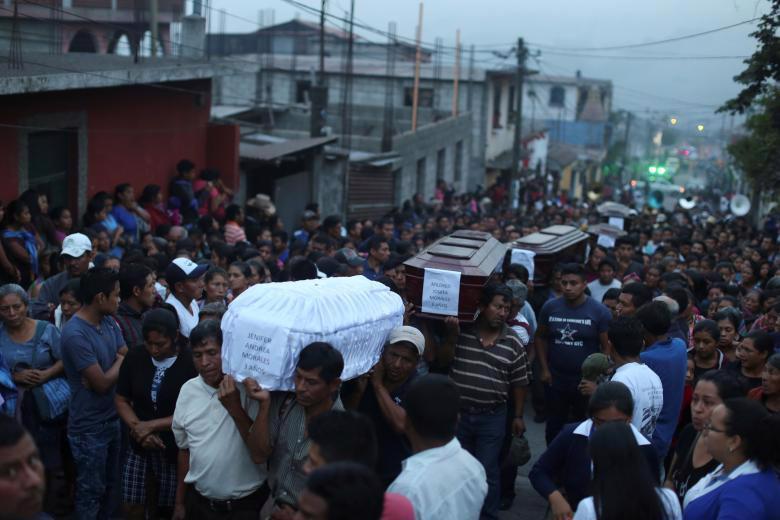 Ít nhất 300 người chết và mất tích vì núi lửa phun trào ở Guatemala - Ảnh 1.