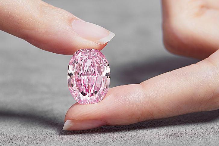 Viên kim cương hồng siêu hiếm có giá gần 27 triệu USD - Ảnh 2.