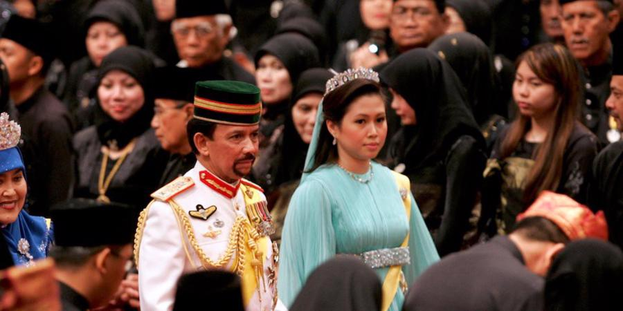 Sở hữu 500 siêu xe Rolls-Royce, Quốc vương Brunei sống xa hoa như thế nào? - Ảnh 18.