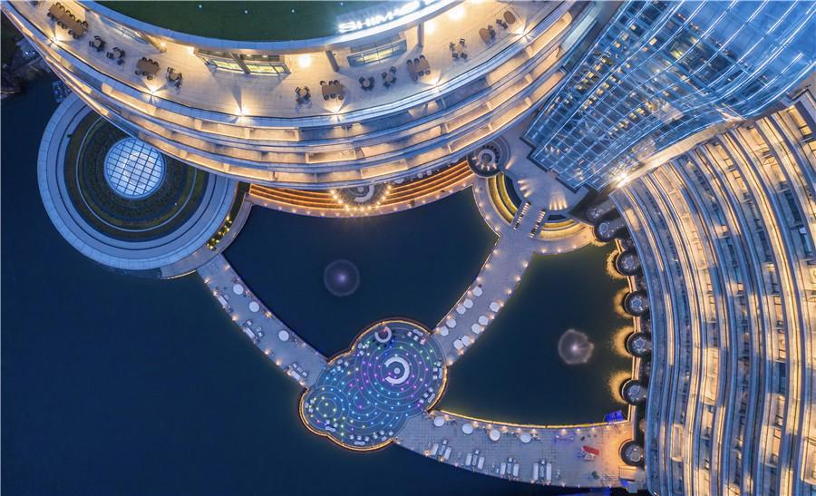 Khai trương khách sạn dưới lòng đất đầu tiên trên thế giới - Ảnh 4.