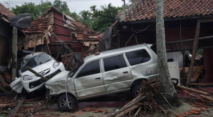 Ít nhất 222 người chết trong trận sóng thần ở Indonesia - Ảnh 4.