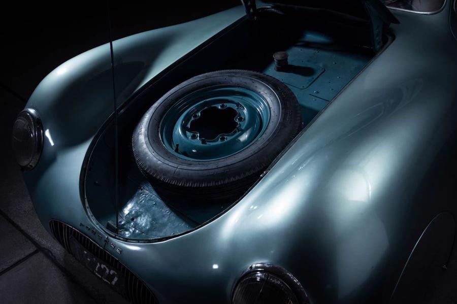 Xe cổ Porsche Type 64 được bán đấu giá, dự kiến thu về tới 20 triệu USD - Ảnh 7.