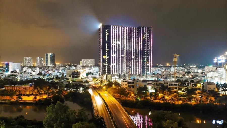 Chi 3 triệu USD lắp đèn LED, tòa tháp sắp bàn giao trở thành biểu tượng khu Nam Sài Gòn - Ảnh 3.