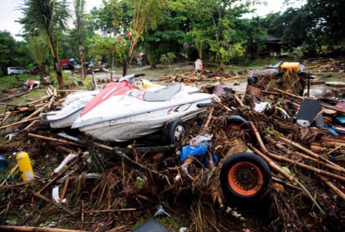 Ít nhất 222 người chết trong trận sóng thần ở Indonesia - Ảnh 5.