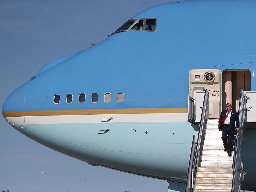 """Chuyên cơ Air Force One """"mới cứng"""" của Tổng thống Biden có gì đặc biệt? - Ảnh 4."""