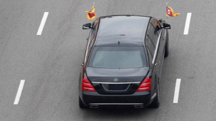 Hai ông Trump và Kim Jong Un bắt tay, bước vào cuộc gặp thượng đỉnh - Ảnh 5.