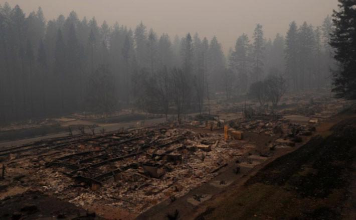 Cận cảnh vụ cháy rừng lịch sử khiến ít nhất 31 người thiệt mạng ở California - Ảnh 6.