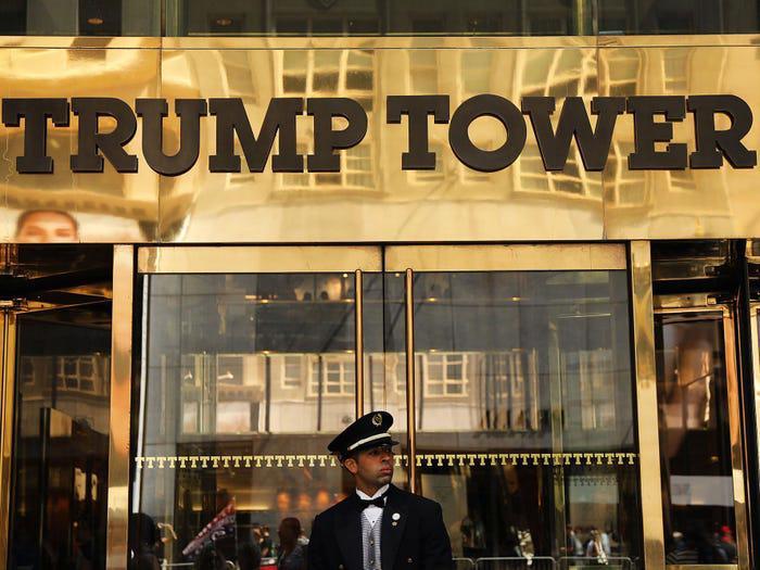 Điểm danh loạt cơ quan, doanh nghiệp chấm dứt quan hệ với ông Trump - Ảnh 6.
