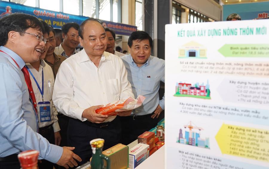Thủ tướng: Miền Trung cần tránh mâu thuẫn trong lựa chọn ưu tiên chiến lược kinh tế - Ảnh 1.