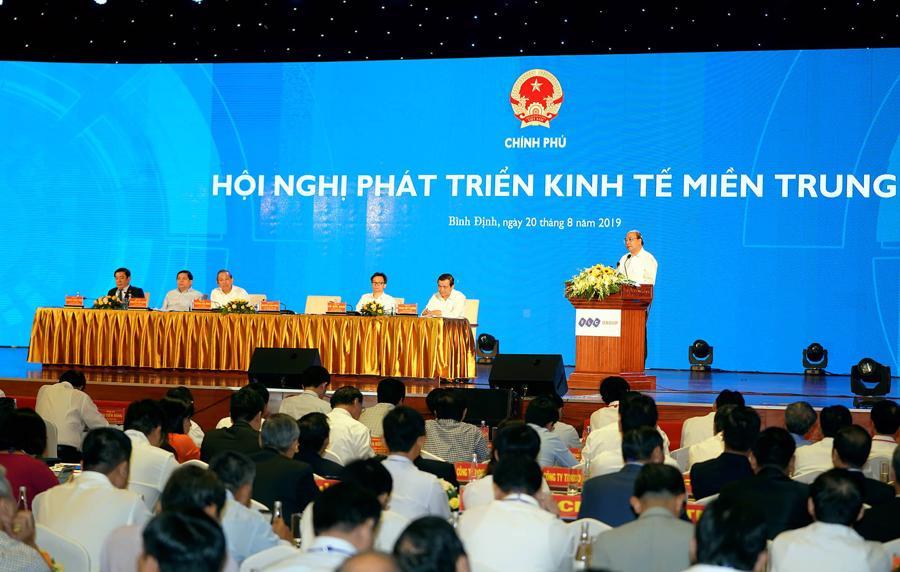 Thủ tướng: Miền Trung cần tránh mâu thuẫn trong lựa chọn ưu tiên chiến lược kinh tế - Ảnh 4.