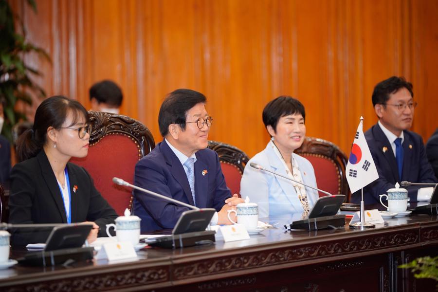 Thủ tướng đề nghị sớm đạt mục tiêu 100 tỷ USD kim ngạch Việt Nam - Hàn Quốc - Ảnh 3.