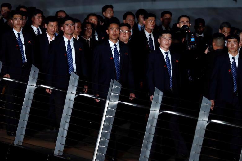 Chùm ảnh ông Kim Jong Un đi dạo đêm ở Singapore - Ảnh 7.